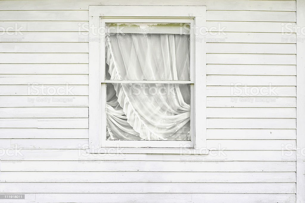 Extérieur de la Maison blanche avec fenêtre et Rideau - Photo