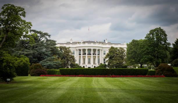 beyaz saray fotoğrafı - white house stok fotoğraflar ve resimler