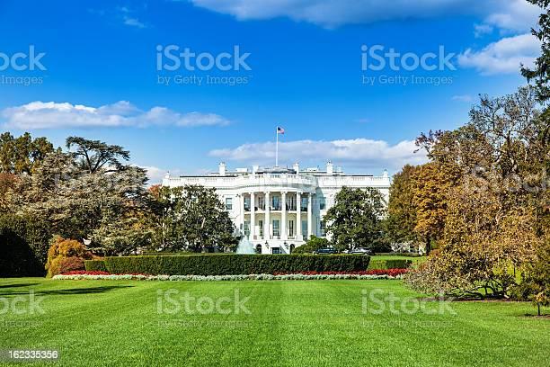 White house picture id162335356?b=1&k=6&m=162335356&s=612x612&h= prcfvhyr4yrpivbsnqbtoyd 8esbc8td004u lc lm=