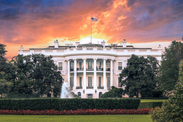 White House, under dramatic sky, sunset golden light, Washington DC White House, under dramatic sky, sunset golden light, Washington DC president stock pictures, royalty-free photos & images