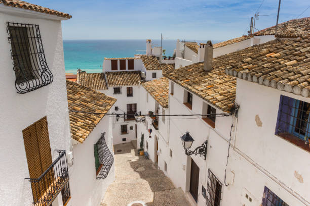 Casas blancas en el centro histórico de Altea, España - foto de stock