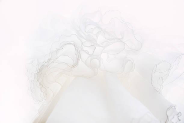 weiße spitze textur - tüllkleid stock-fotos und bilder