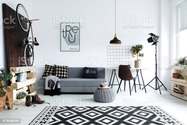 White living room with sofa picture id678588380?b=1&k=6&m=678588380&s=612x612&h=n474gqbhykcqfed0xxstnmxd5yonm7exvltxxpliopq=