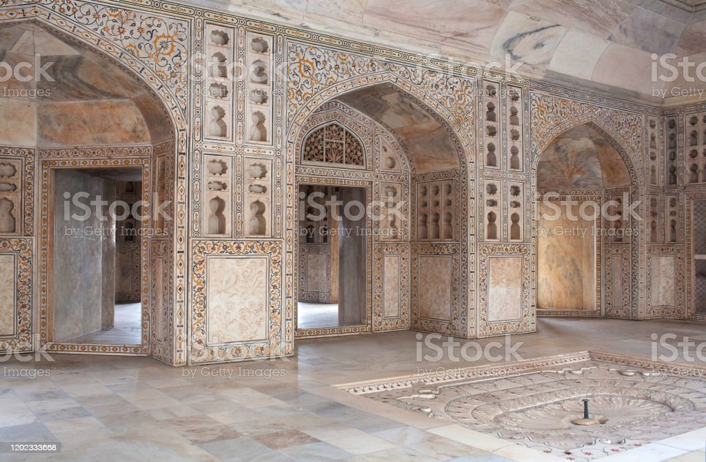 White marble Khas Mahal palace in Agra Red Fort, India White marble Khas Mahal palace in Agra Red Fort, India. This palace was built by Shah Jahan for her two favorite daughters, Roshnara and Jahanara. Agra Stock Photo