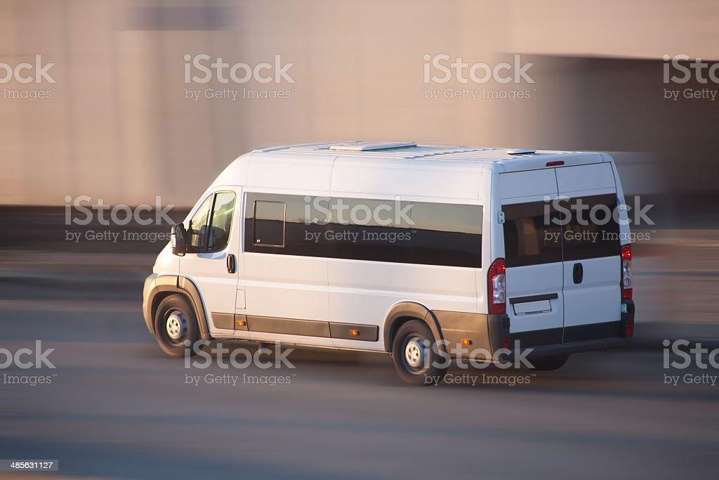 Weißer minibus, – Foto