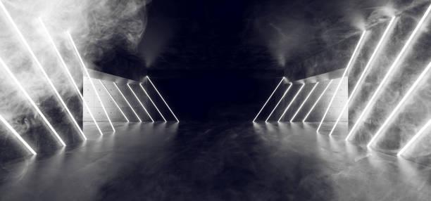 leuchtenden weißen neon tube lights rauch nebel sci-fi futuristische dunkle leere grunge betondecke reflektierende fußraum mit fliesen alien hintergrund 3d-rendering geführt - tunnel stock-fotos und bilder