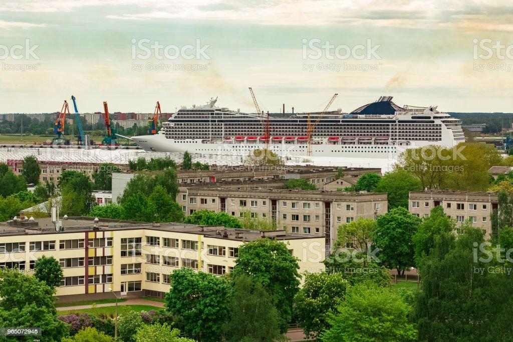 White passenger ship zbiór zdjęć royalty-free