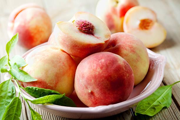 white peach – Foto