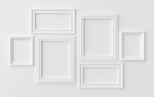 白色的相框在白色牆壁與陰影 - 有邊框的 個照片及圖片檔