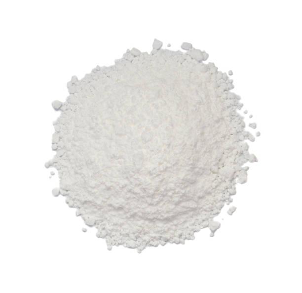 wit poeder van beton, klei of bentoniet geïsoleerd op een witte achtergrond bovenaanzicht - gezichtspoeder stockfoto's en -beelden