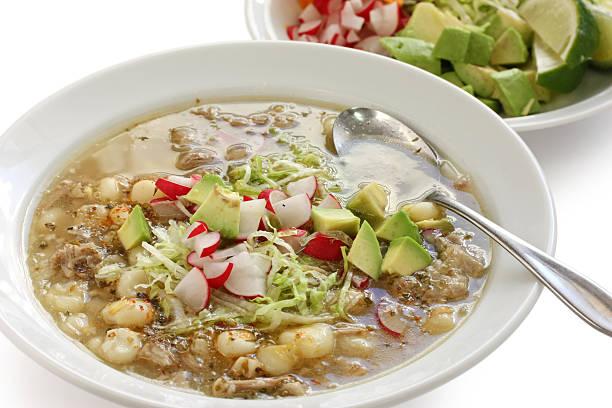 white pozole, mexican soup cuisine - huhn maissuppe stock-fotos und bilder