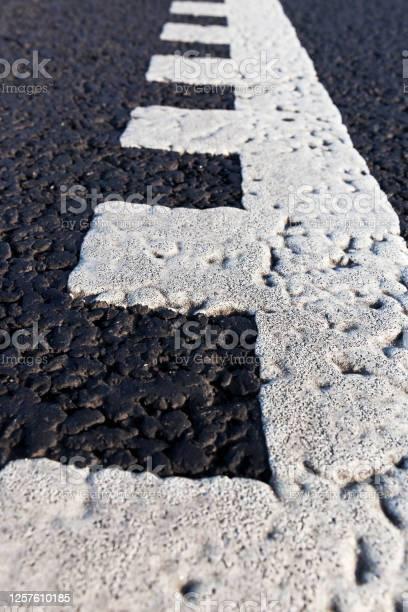 White road markings picture id1257610185?b=1&k=6&m=1257610185&s=612x612&h=wdiawb5z opvaktxupw3fpdhyhuaqpwwtvanmq 5fzu=