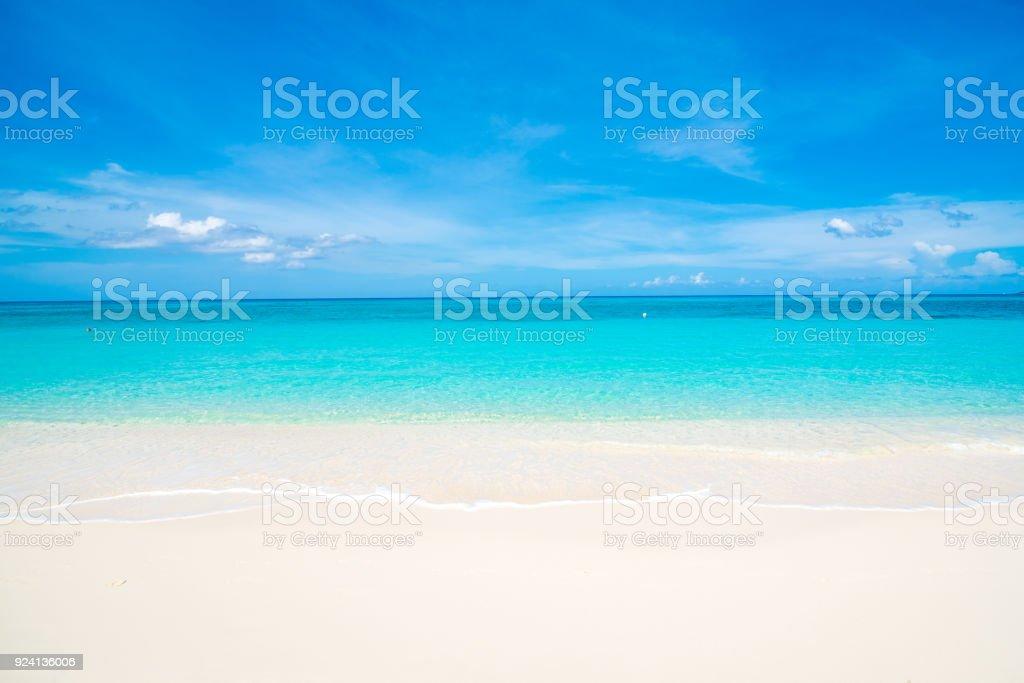 Blanco arena Seven Mile Beach - foto de stock