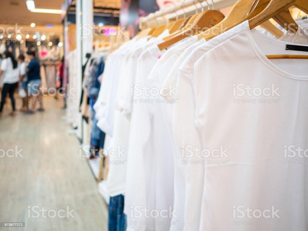 Tienda de ropa blanco vestidos