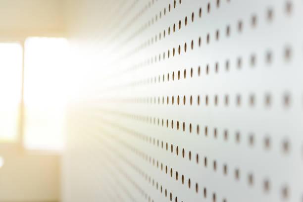 weißer schalldichte Wand, Schallmauer, sound aufnehmen, Hintergrund – Foto