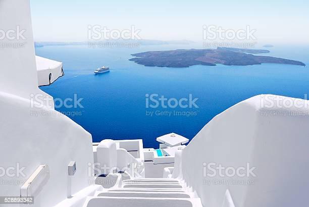인명별 층계 및 메디터레니언 바다빛 Viw 온 그리스 산토리니 가장자리에 대한 스톡 사진 및 기타 이미지