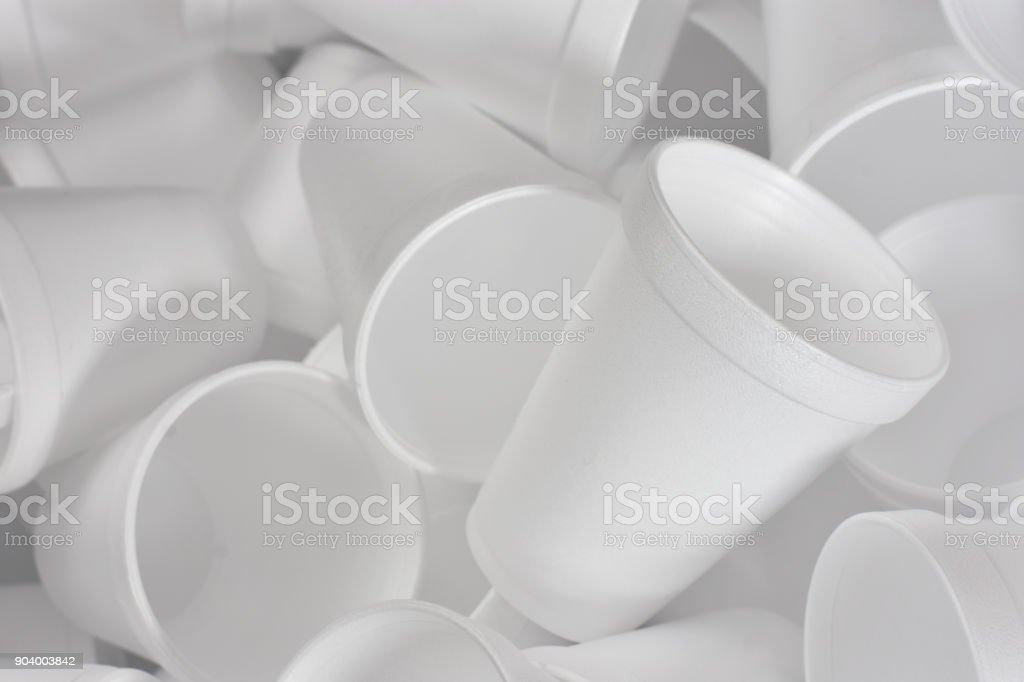 Blanco de espuma de poliestireno tazas de café - foto de stock