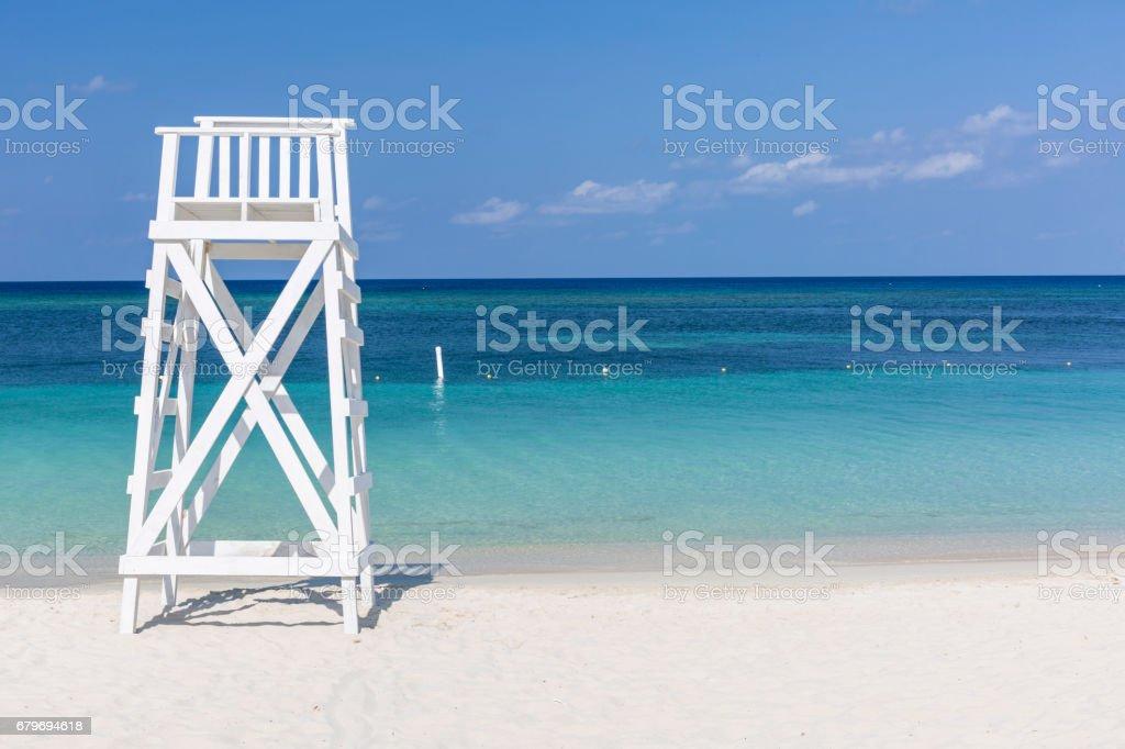 White Tower on Turqouise Beach – zdjęcie