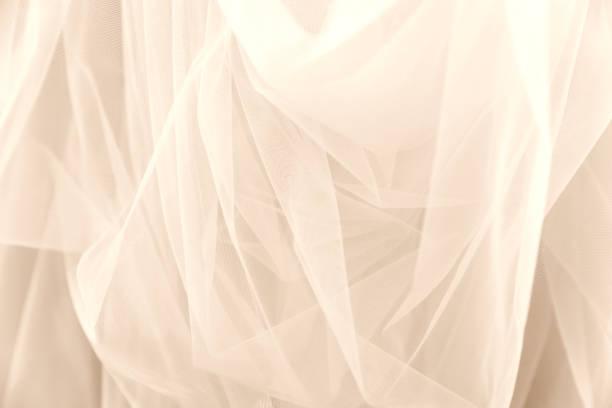 weißer tüll chiffon brautschleier textur hintergrund hochzeit konzept - tüllkleid stock-fotos und bilder