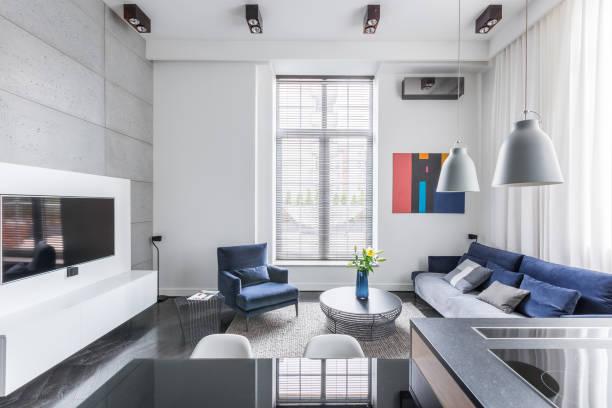 white tv living room - küche neu gestalten ideen stock-fotos und bilder