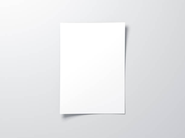 hoja de papel vertical blanco maqueta, carta o invitación - volante fotografías e imágenes de stock