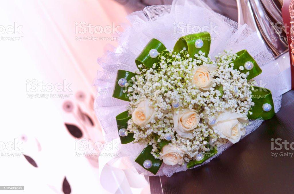 Weisse Hochzeit Und Verlobung Blumenstrauss Schone Hochzeit Bouquet