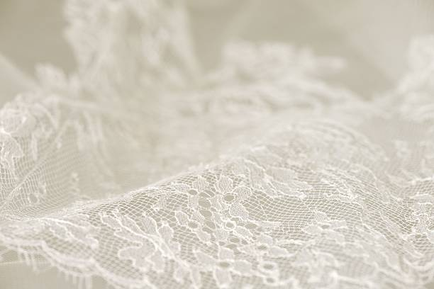 weiße hochzeit spitze - kleid mit verzierung stock-fotos und bilder