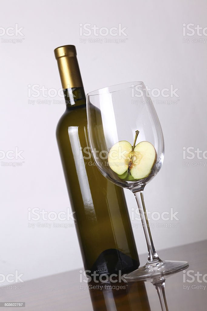 White wine and apple royalty-free stock photo