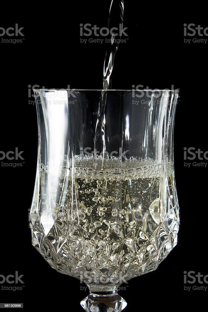 Vino bianco in un calice foto stock royalty-free
