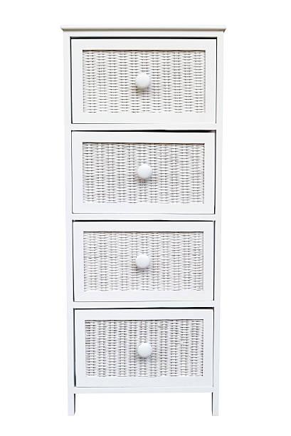 gewebten weißen schrank mit schubladen, isoliert auf weißem hintergrund - schubladenkommode weiß stock-fotos und bilder