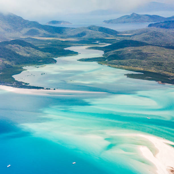 whitehaven beach and whitsundays, queensland, australia - great barrier reef marine park stock pictures, royalty-free photos & images