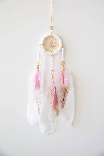 white-pink dreamcatcher - traumfänger malerei stock-fotos und bilder