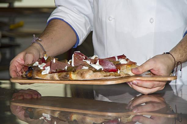 whites pizzas - kabelspek stockfoto's en -beelden