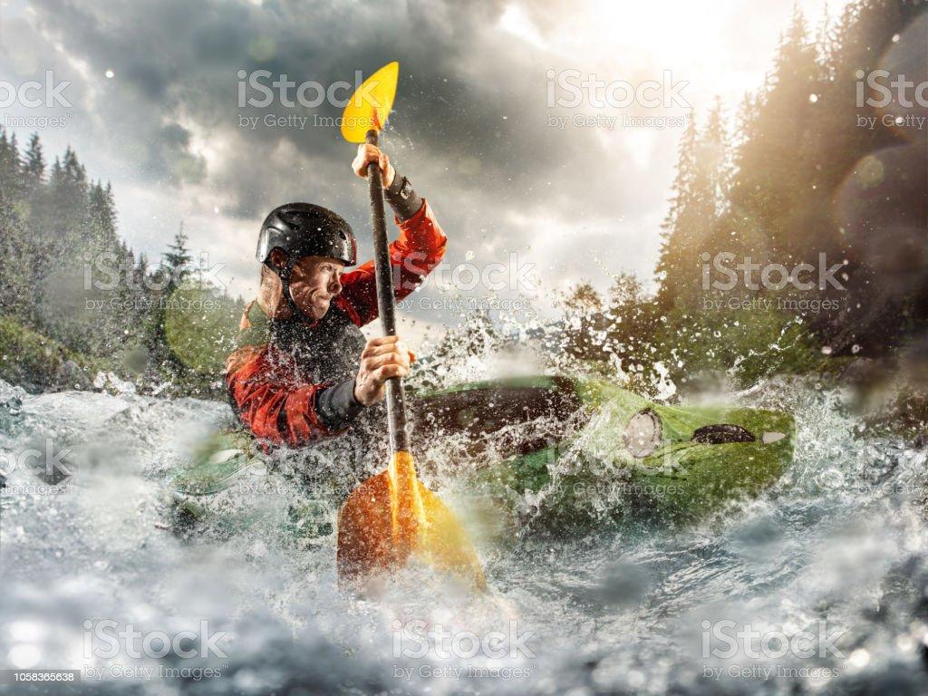 Whitewater Kayaking Kayak Extremo Un Tipo En Un Kayak Navega