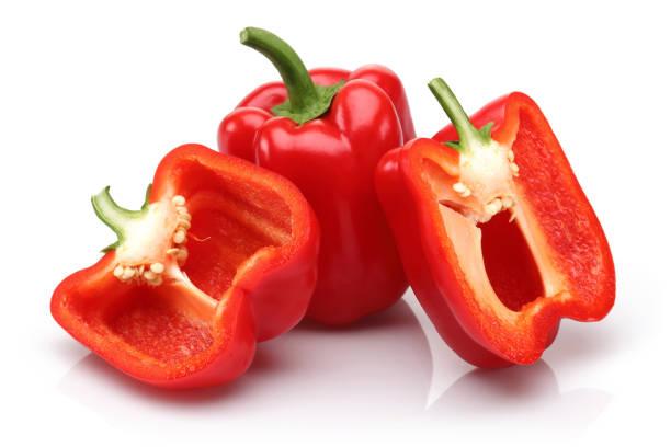 全和半紅色甜椒在白色背景 - 紅燈籠椒 個照片及圖片檔