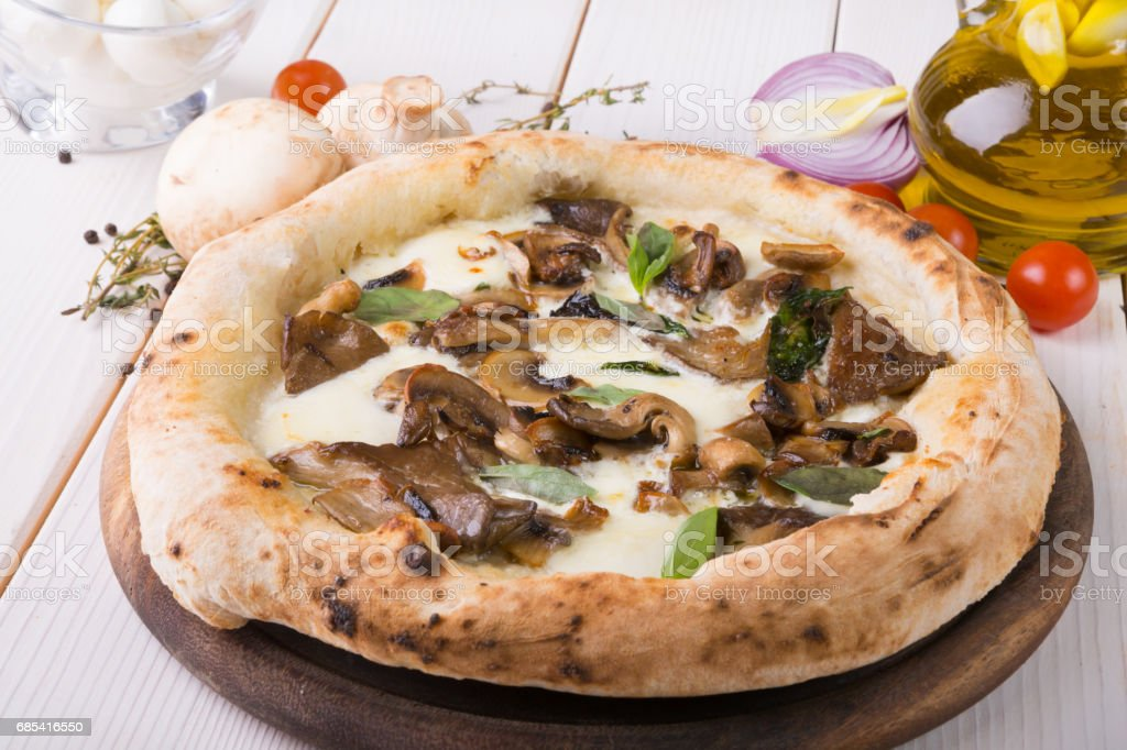 Whole baked pizza foto de stock royalty-free