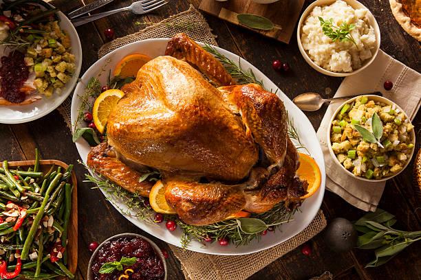 całe domowy święto dziękczynienia turcji - turkey zdjęcia i obrazy z banku zdjęć