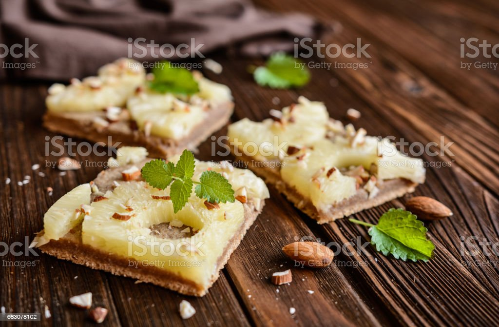 Whole meal pineapple cake with almonds foto de stock royalty-free