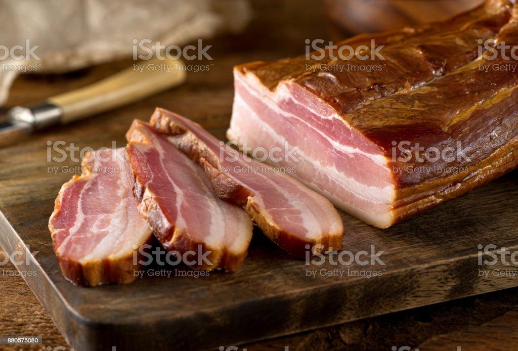 Whole Smoked Slab Bacon - foto stock