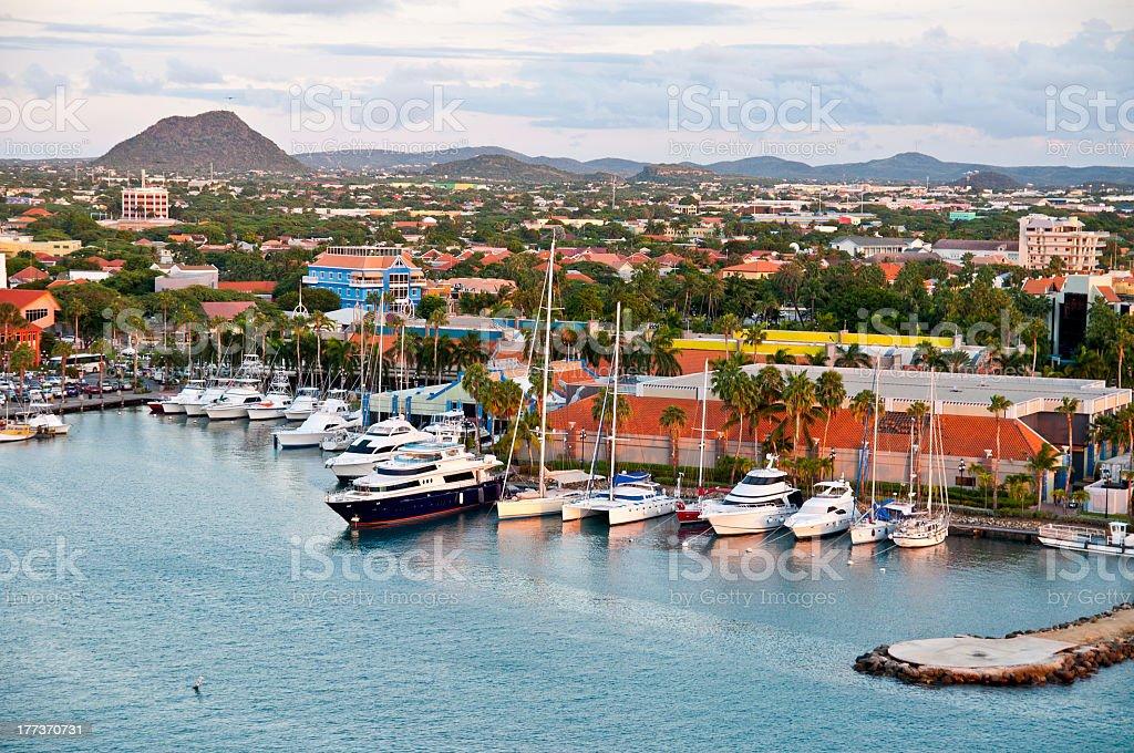 Tropikalny Harbor na Arubie, Oranjestad – zdjęcie