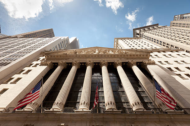 wide photo of new york stock exchange - new york stock exchange stock pictures, royalty-free photos & images