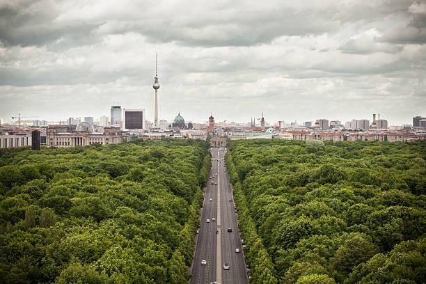 ベルリンの街並み - グローサーシュテルン広場 ストックフォトと画像