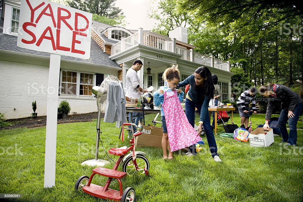 Wide view of suburban yard sale - Royalty-free 12-13 Years Stock Photo