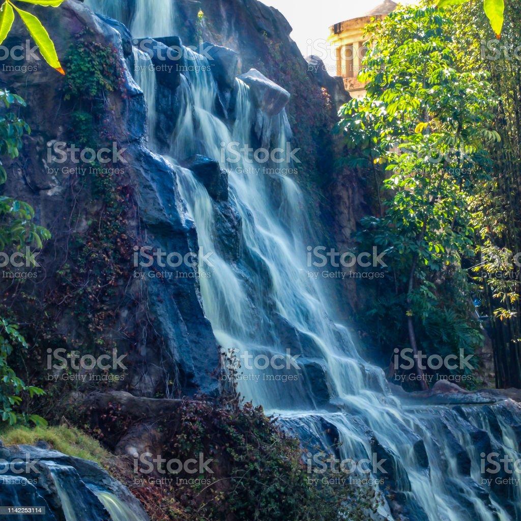 Weite Wand Mit Wasserfall In Einem Offentlichen Naturpark An