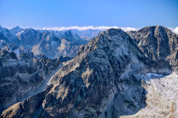 widok von lomnický peak (lomnicky schild) - hohe warte stock-fotos und bilder