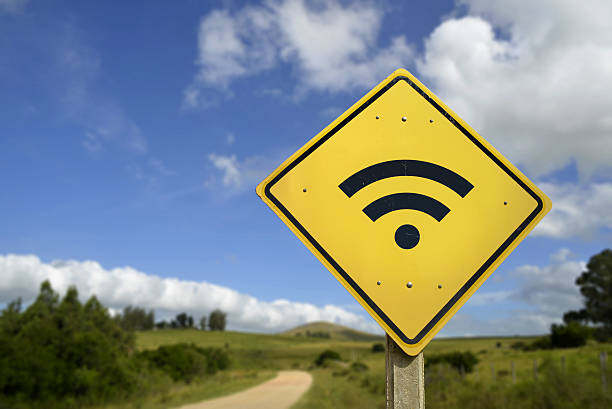 wifi access road sign concept in rural area - 田園風光 個照片及圖片檔
