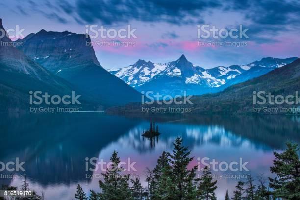 Wild goose island in morning picture id816519170?b=1&k=6&m=816519170&s=612x612&h=1f89dwvnxxnwhtzcd o3lwb8vu1fchvydbgwa5r4nri=