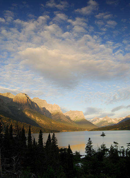 wild goose island - st. mary lake stock pictures, royalty-free photos & images