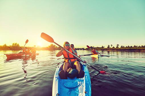 Foto de Selvagem Natureza E Água Diversão Nas Férias De Verão Camping E Pesca e mais fotos de stock de Acampar