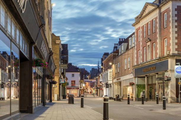 winchester no reino unido durante a noite - alto descrição geral - fotografias e filmes do acervo
